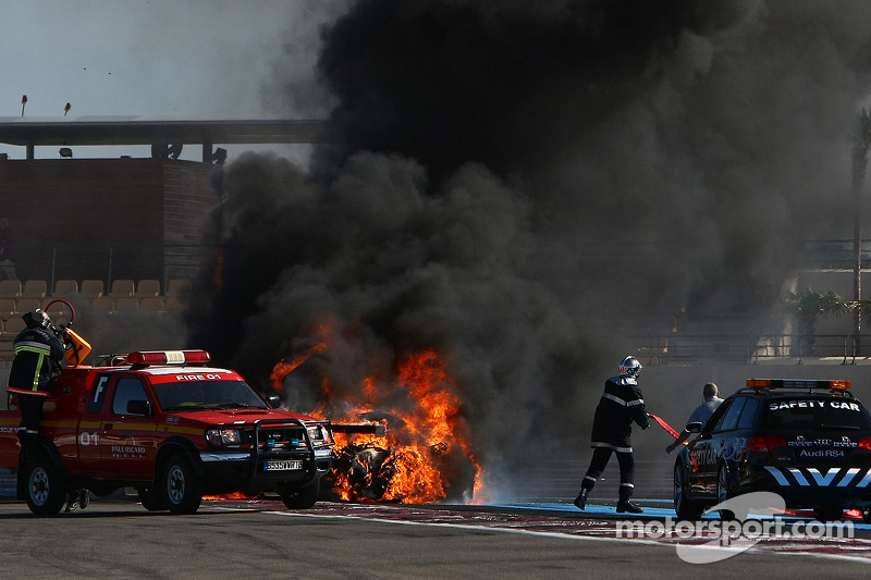 Major fire for #94 Speedy Racing Team Spyker C8 Laviolette GT2R: Philippe Camandona, Andrea Chiesa, Benjamin Leuenberger