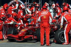 Pit stop for Kimi Raikkonen, Scuderia Ferrari