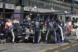 Pit stop for Kazuki Nakajima, Williams F1 Team