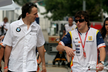 Robert Kubica, BMW Sauber F1 Team and Fernando Alonso, Renault F1 Team