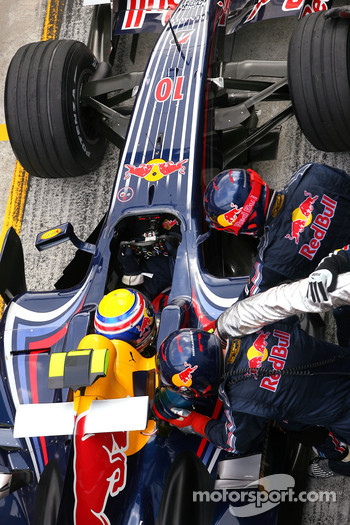 Mark Webber, Red Bull Racing during pitstop