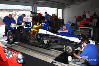 Dreyer & Reinbold Racing team members at work
