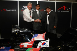 David Clare, CEO Asian Region with the new A1 Team Korea Seat Holder Joshua Kim and Tony Teixeira, A1GP Chairman