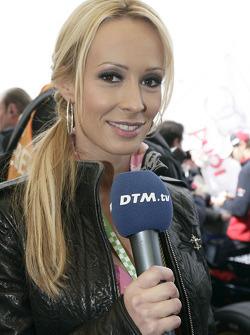DTM.tv anchor woman Cora Schumacher