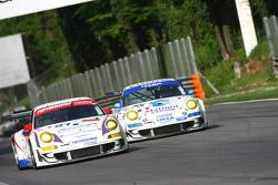 #91 Farnbacher Racing Porsche 997 GT3 RSR: Allan Simonsen, Richard Westbrook, Lars Erik Nielsen, #75 IMSA Performance Matmut Porsche 997 GT3 RSR: Michel Lecourt, Richard Balandras, Jean-Philippe Belloc