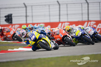Start: Colin Edwards leads the field