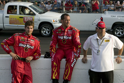 The Big Red Dodge Ganassi crew gets ready