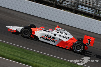 Ryan Briscoe driving Helio Castroneves's T car