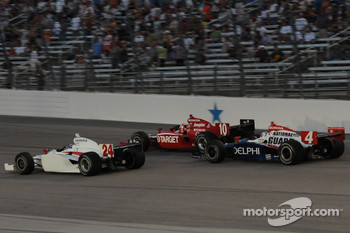John Andretti leads Dan Wheldon and Vitor Meira