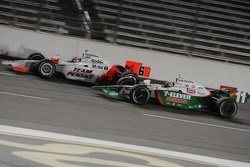 Ryan Briscoe and Tony Kanaan battling for position