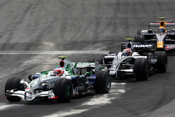 Rubens Barrichello, Honda Racing F1 Team leads Kazuki Nakajima, Williams F1 Team