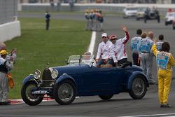Drivers parade: Timo Glock, Toyota F1 Team, Jarno Trulli, Toyota Racing