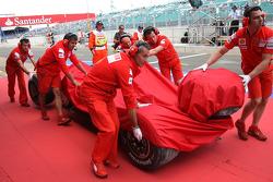 Crash damaged, Felipe Massa, Scuderia Ferrari, F2008
