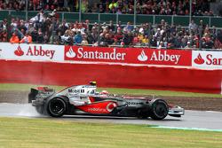 Heikki Kovalainen, McLaren Mercedes spins
