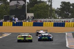 #99 JMB Racing Ferrari F430 GT: Alain Ferté, Ben Aucott, Stéphane Daoudi, #83 Risi Competizione Ferrari F430 GT: Tracy Krohn, Nic Jonsson, Eric van de Poele