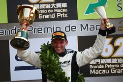 Podium: winnaar Maro Engel, Mercedes AMG Driving Academy