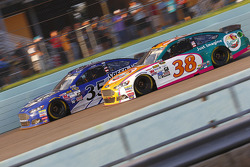 Cole Whitt, Front Row Motorsports Ford andDavid Gilliland, Front Row Motorsports Ford