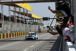 冠军及TCR 2015年度冠军斯蒂法诺·科密尼,西雅特Leon,目标竞技车队