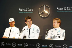 Lewis Hamilton, Nico Rosberg and Toto Wolff, Mercedes AMG F1 Shareholder and Executive Director