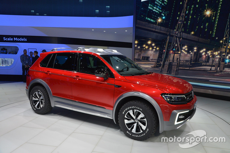 volkswagen tiguan gte active concept at north american international auto show. Black Bedroom Furniture Sets. Home Design Ideas