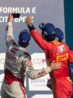 Podium: winner Lucas di Grassi, ABT Schaeffler Audi Sport, second place Jérôme d'Ambrosio, Dragon Racing, third place Sébastien Buemi, Renault e.Dams take a selfie