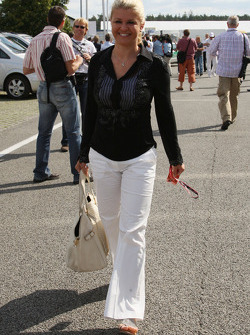 Corina Schumacher, Corinna, Wife of Michael Schumacher arrives at the track