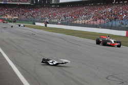 Bodywork on the track after Timo Glock, Toyota F1 Team crash