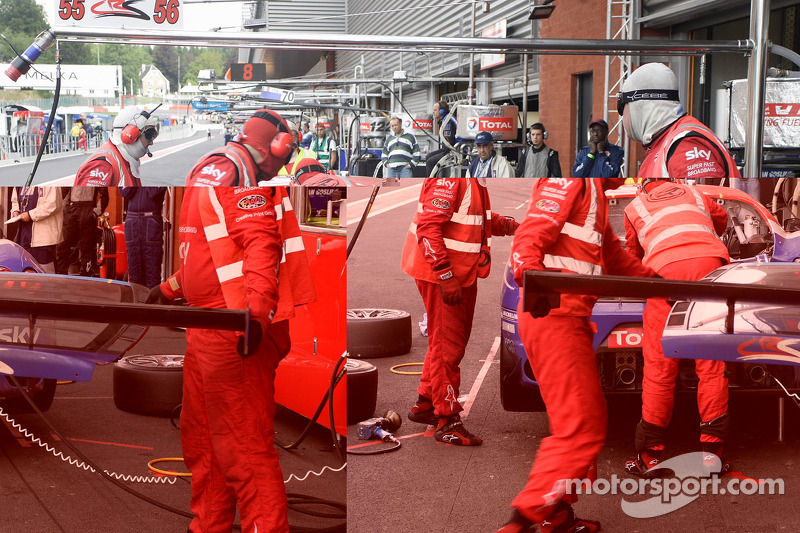 Pit stop for #56 CR Scuderia Ferrari F430: Andrew Kirkaldy, Rob Bell, Dirk Muller, James Sutton
