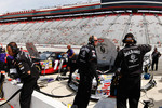 the-jack-daniel-crew-work-on-their-chevrolet