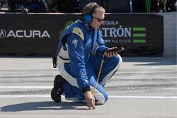 Michelin technician takes track temperature