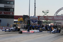 Larry Dixon, Antron Brown