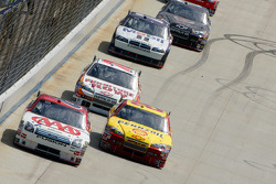 David Ragan and Kevin Harvick battle