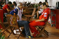 Flavio Briatore, Renault F1 Team, Team Chief, Managing Director and Stefano Domenicali, Scuderia Ferrari, Sporting Director