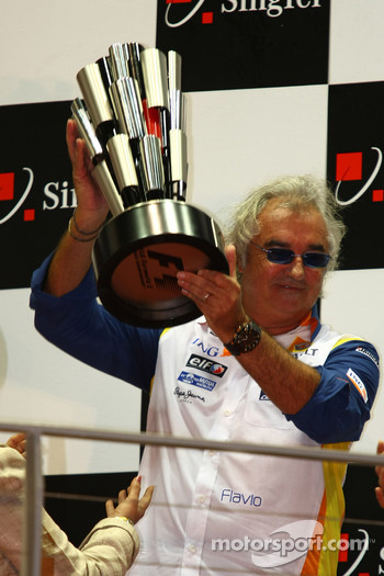 Podium: Flavio Briatore, Renault F1 Team, Team Chief, Managing Director