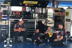 Texaco Havoline Dodge crew members