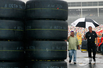 Rain scrubs practice and qualifying for the Bank of America 500