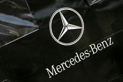 Mercedes engine travel box