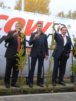 Hermann Tilke, David Coulthard and Hans Geist