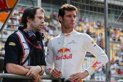 Race engineer Ciaron Pilbeam and Mark Webber