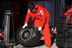 Scuderia Ferrari, tyres
