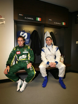 Adam Carroll and Gareth McHale in the drivers' briefing