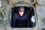 Arie Luyendyk Jr. visits U.S. troops in Iraq
