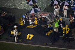 Race is declared over on lap 152: race winner Matt Kenseth, Roush Fenway Racing Ford celebrates