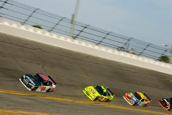 Dale Earnhardt Jr., Hendrick Motorsports Chevrolet, Mark Martin, Hendrick Motorsports Chevrolet, Kyle Busch, Joe Gibbs Racing Toyota