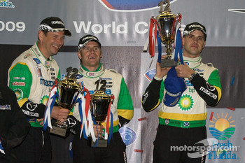 P2 podium: second place Butch Leitzinger, Ben Devlin and Marino Franchitti