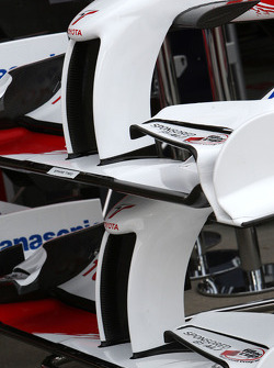 Timo Glock, Toyota F1 Team, TF109, front wing, detail