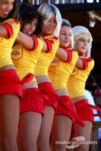 Cheerleading girls