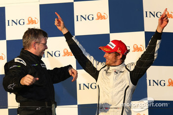 Podium: race winner Jenson Button, Brawn GP, and Ross Brawn Brawn Grand Prix Team Principal