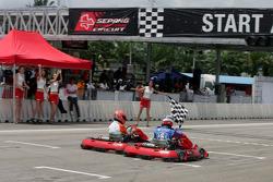 F1 Fun Kart Challenge: Vitantonio Liuzzi narrowly beats Edoardo Mortara