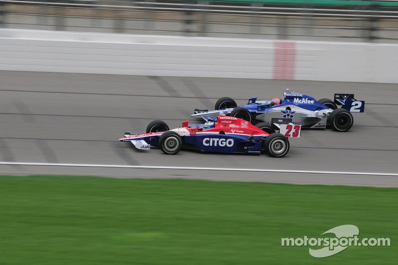 Raphael Matos, Luzco Dragon Racing and Milka Duno, Dreyer & Reinbold Racing run together